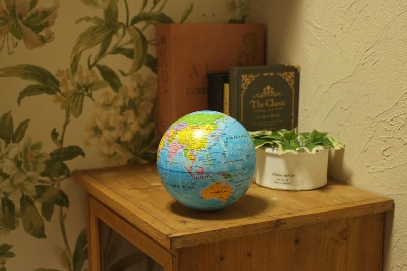 ゆっくり回りながら光るイルミネーション地球儀!お部屋のインテリアに最高です!
