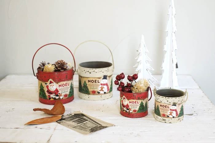 クリスマスはお部屋の装飾がとっても楽しい♪グリーンを入れるだけで雰囲気がでるクリスマスポット♪